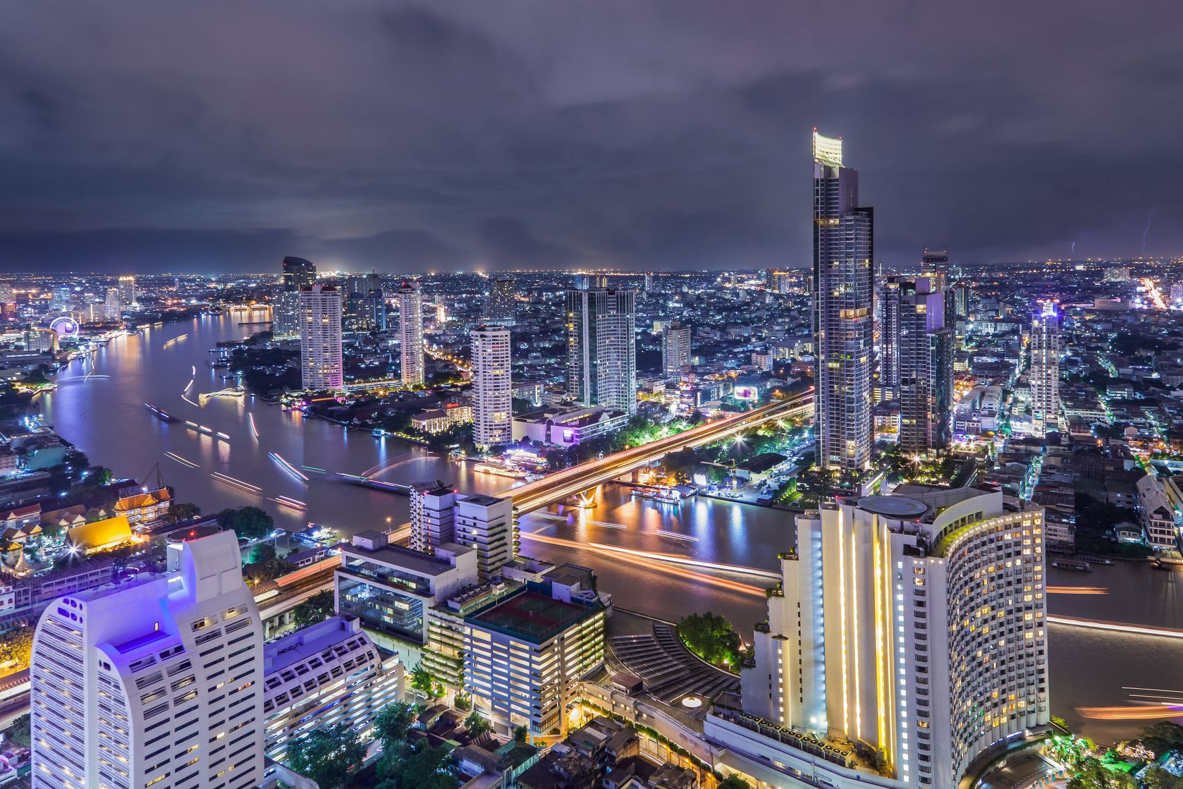 bangkok at dusk with main river